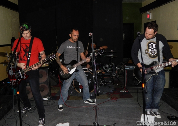 Support the Rabid playing in Sacramento CA at Cafe Colonial during Bat Guano Festival 2014. Photo Ryan Stewart.