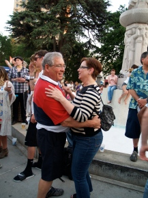 Darlene and Benjamin Froemming enjoy a dance at Concerts in the Park, Friday. Photo: Kate Gonzales.