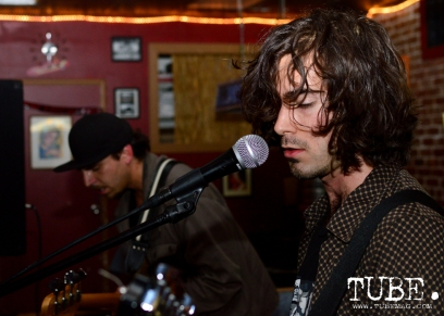 Vocalist and Guitarist Julian Borrego of Paisano playing at the Hideaway for The Wall art show presented by TUBE. Sacramento, CA. Photo Alejandro Montaño.