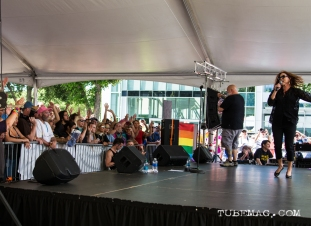 Belinda Carlisle bringing on big smiles from the fans at Sac Pride 2015, Photo Sarah Elliott