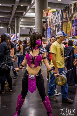 Video Game babe at Sacramento Wizard World Comic Con 2015. Photo Sarah Elliott