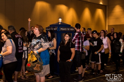 Waiting lines for Billie Piper photo ops. Sacramento Wizard World Comic Con 2015. Photo Sarah Elliott