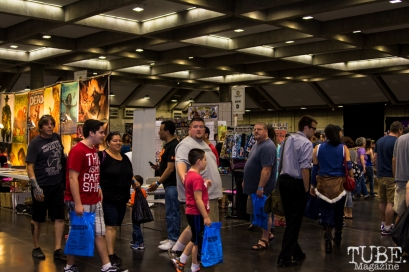 People enjoying the Sacramento Wizard World Comic Con 2015. Photo Sarah Elliott