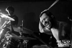 Drummer Gabriel Katz of Cash Pony playing at Cafe Colonial in Sacramento, CA. August 2015. Photo Alejandro Montaño