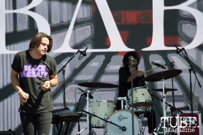 Babe playing on the TBD Stage at TBD Festival in Sacramento, Ca. September 2015. Photo Alejandro Montaño