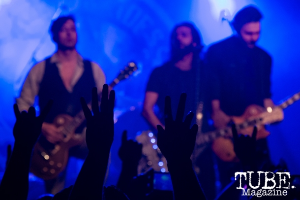 Hands up as Pop Evil plays at the Ace of Spades in Sacramento, CA. March 2016. Photo Alejandro Montaño