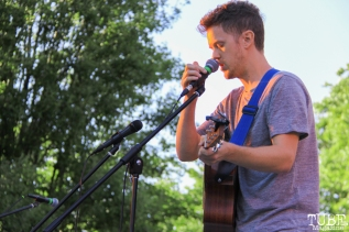 Andrew Castro singer/guitarist Concerts in the Park, Cesar Chavez Park, Sacramento, CA. May 13, 2016, Photo Anouk Nexus