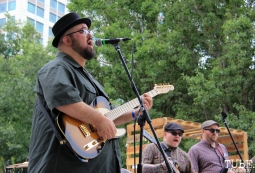 The Scratch Outs guitarist, Andrew Bauer, Concerts in the Park, Cesar Chavez Park, Sacramento, CA. June 17, 2016. Photo Anouk Nexus