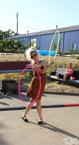 Dancing with hula hoops, Sac Stay Home Fest, Red Museum, Sacramento, CA. August 13, 2016. Photo Anouk Nexus