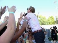 Vocalist Andrew Mcmahon of Andrew Mcmahon In The Wilderness, City of Trees, Bonney Field, Sacramento, CA. September 10, 2016. Photo Anouk Nexus