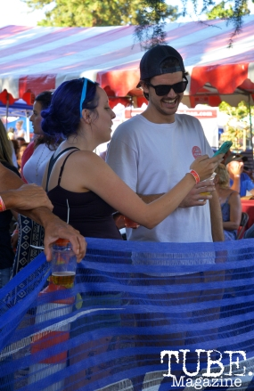 Two people hanging out in the beer garden at Chalk It Up in Sacramento, CA, September 4, 2016. Photo Emma Montalbano.