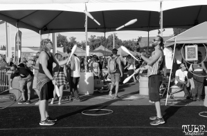Attendees juggling, City of Trees, Papa Murphy's Park, Sacramento, CA. September 24th, 2017. Photo Anouk Nexus