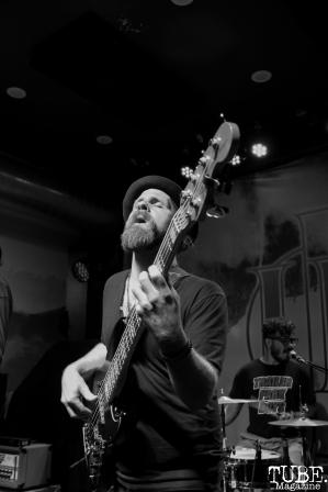 Bassist Jeff Jarvis of The Reign Of Kindo, Goldfield Trading Post, Sacramento, CA. September 5, 2017. Photo Anouk Nexus