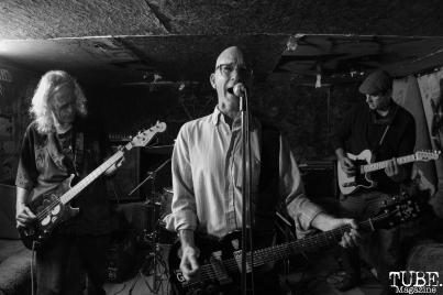 Hatchet Job performing at Casa de Chaos, in Sacramento Ca. December 15th 2017. Photo Anouk Nexus