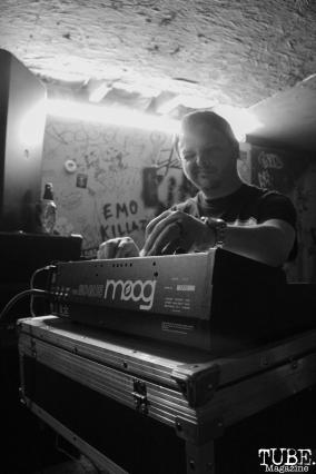 Andrew Wayne on synth for Instagon performing at Casa de Chaos, in Sacramento Ca. December 15th 2017. Photo Anouk Nexus