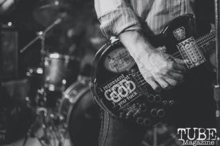 Hatchet Job performing at Casa de Chaos, in Sacramento Ca. December 2017. Photo Heather Uroff.